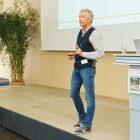 Foto von Dipl. Ing. Dirk Schelhorn, Vortragender auf der 2. Fachtagung zur Kindersicherheit auf Spielplätzen in München, 2017, veranstaltet von Massstab Mensch