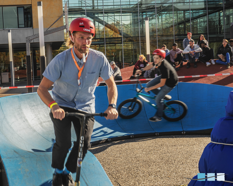 Erfahrungsparcours, Außengelände | 3. Fachtagung zur Kindersicherheit auf Spielplätzen | Inklusiver Spielraum – wie geht das? | München, 18.10 bis 20.10.2019 | Veranstalter: Massstab Mensch