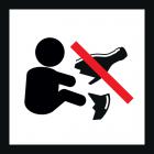 """<strong> Будь ласка, не залишайте уламки скла.</strong><br>Осколки розбитих пляшок представляють собою значний ризик травматизму. Часто вони не помітні відразу, тому що покриті піском або пухким ґрунтом і представляють особливу небезпеку в ігровій зоні малюків або в місцях їх """"падінь"""". Якщо у Вас все ж розбилася скляна пляшка - неодмінно приберіть осколки з дитячого майданчика! Допоможіть усунути цю приховану для дітей небезпеку. Так само Ви можете повідомити про такий випадок нам за вказаним номером телефона."""