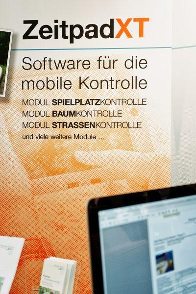 Messe GaLaBau in Nürnberg 2018 – Prüf-Software ZeitpadXT für Spielplatzkontrolle, Baumkontrolle, Straßenkontrolle, Brückenkontrolle. Viele weitere Module verfügbar.